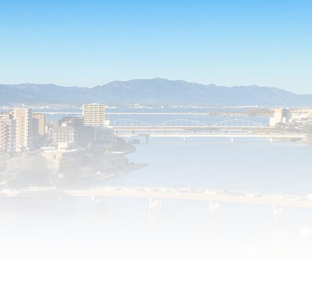 瀬田の唐橋や琵琶湖を望む風光明媚な環境。講師のアトリエで行うプライベートレッスンが魅力です。※全講座に対応 滋賀県大津市瀬田2丁目 詳細はこちら